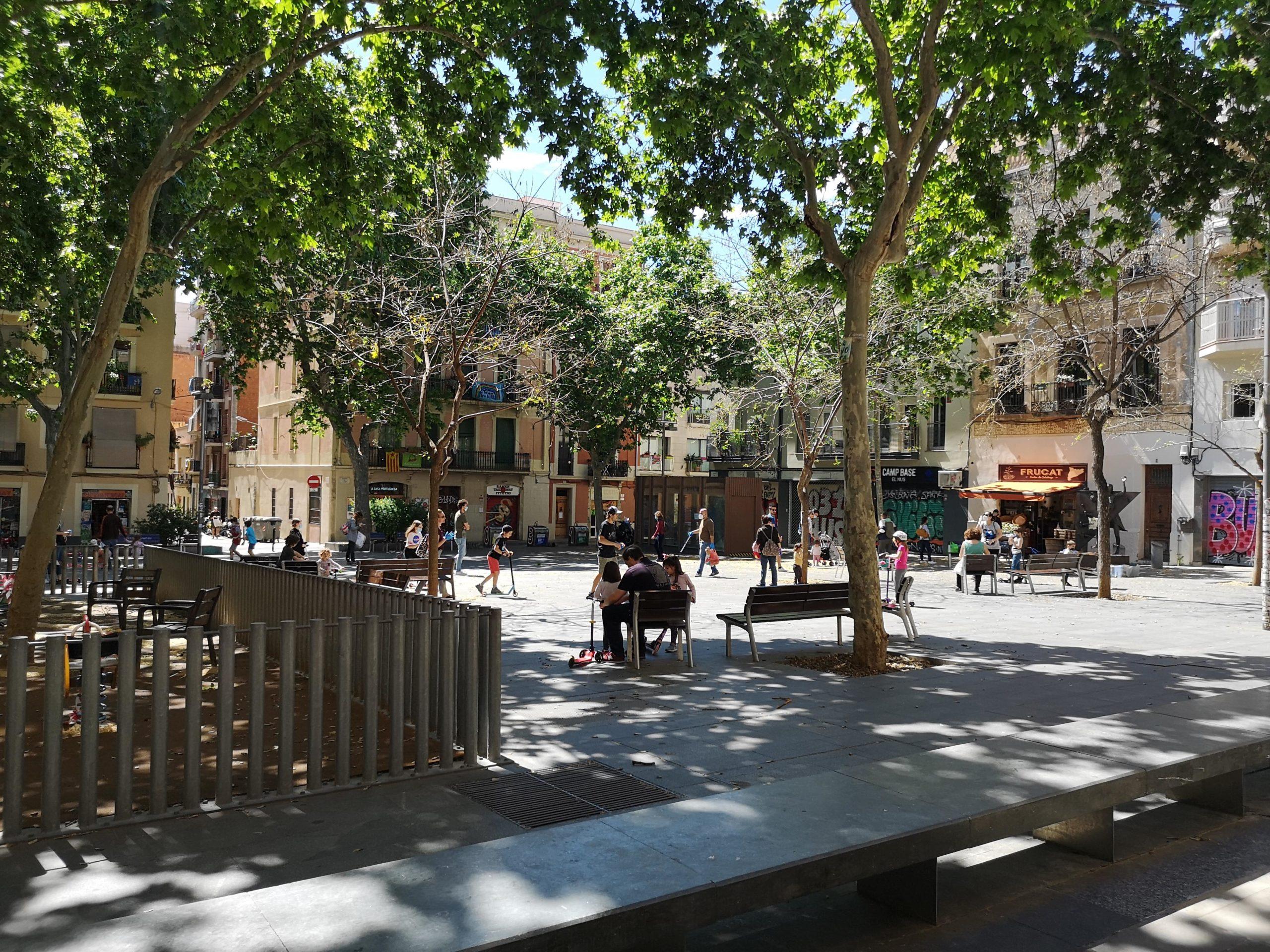 La plaça del Diamant, l'espai amb més concentració de gent pel centre de Gràcia / D.C.