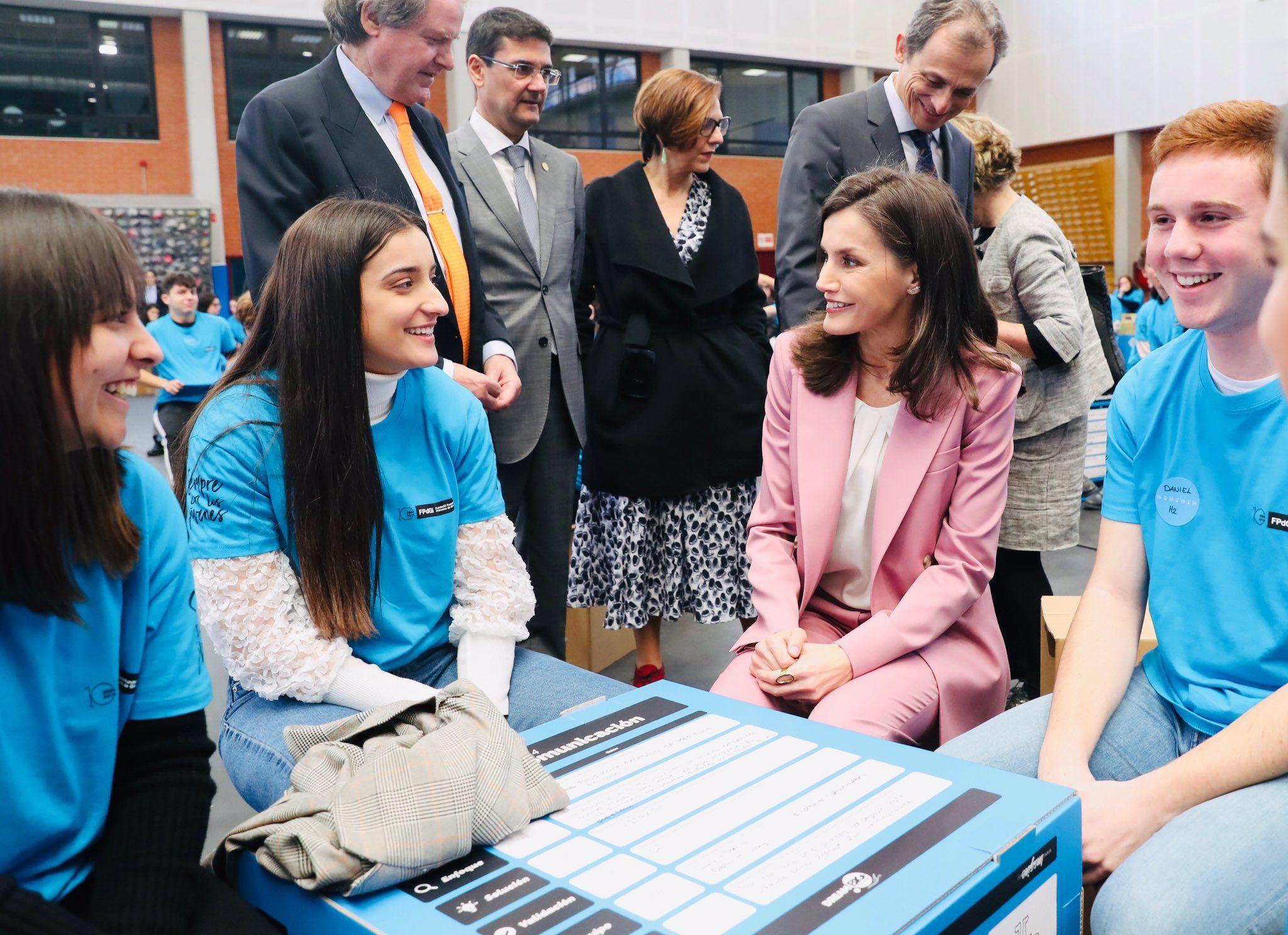 La reina Letícia, còmplice amb els participants   Casa Reial