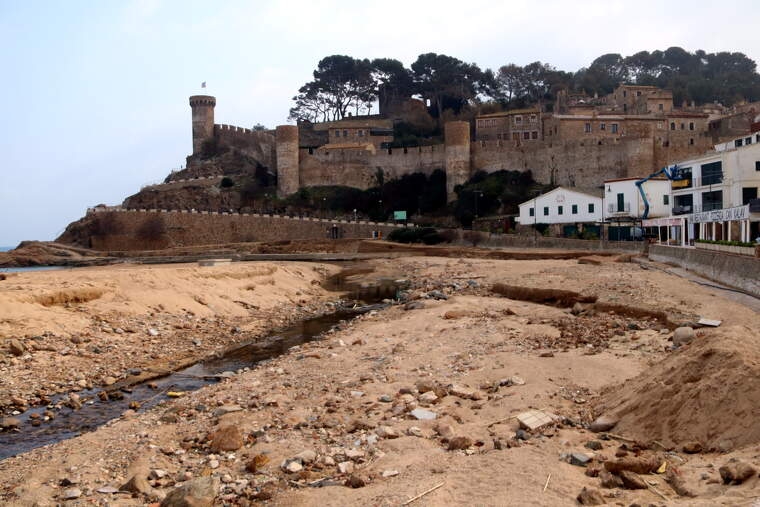 La platja de Tossa després del pas del Glòria